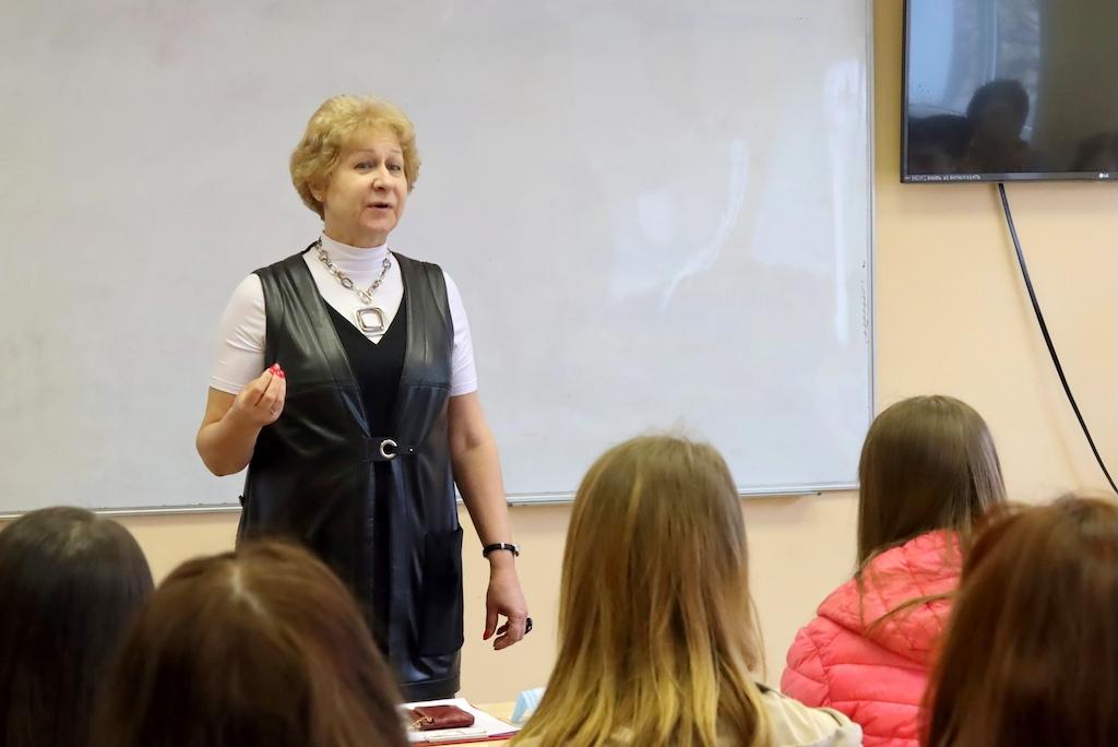 Более 400 абитуриентов посетило День открытых дверей в ГСГУ